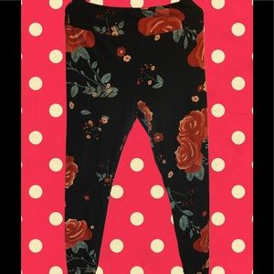 Soft leggings black floral LLR tall and curvy